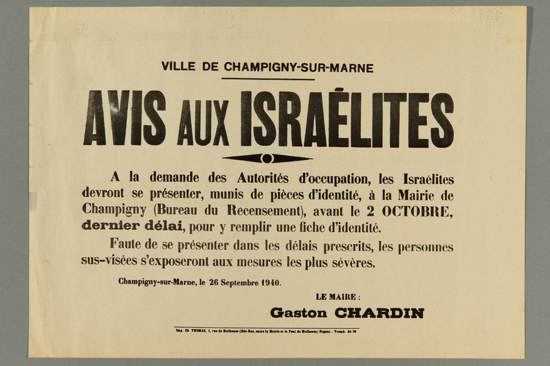 2016.184.425 front Notice ordering Jews in a Paris suburb to get their IDs stamped