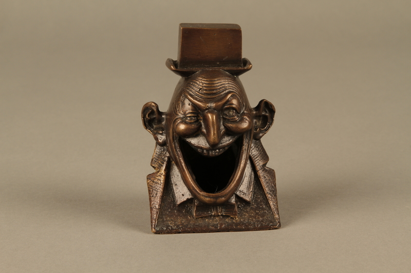 2016.184.623 front Bronze figurine in the shape of a Jewish man's head
