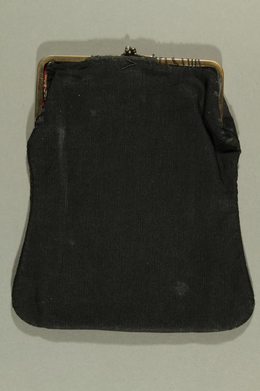 2016.308.2 back Black purse