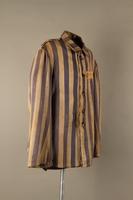 2015.586.2 3/4 right Concentration camp uniform jacket for a Hungarian political prisoner  Click to enlarge