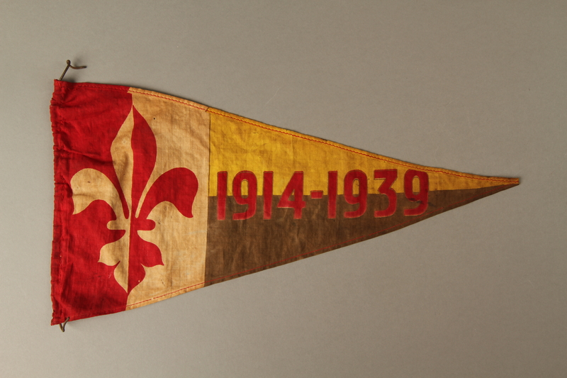 2016.473.3 front Boy Scout pennant with fleur de lis and 1914-1939 owned by a German Jewish refugee
