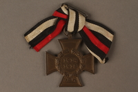 2016.453.2 front Honor Cross of the World War 1914/1918 non-combatant veteran service medal  Click to enlarge