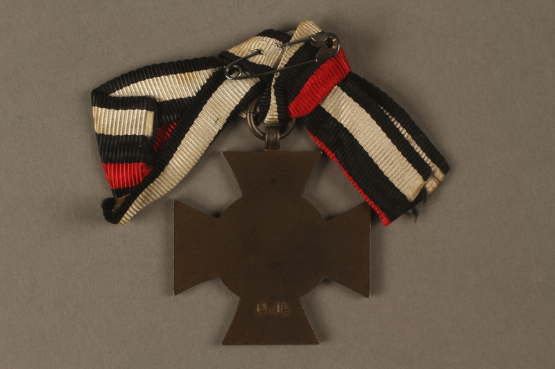 2016.453.2 back Honor Cross of the World War 1914/1918 non-combatant veteran service medal