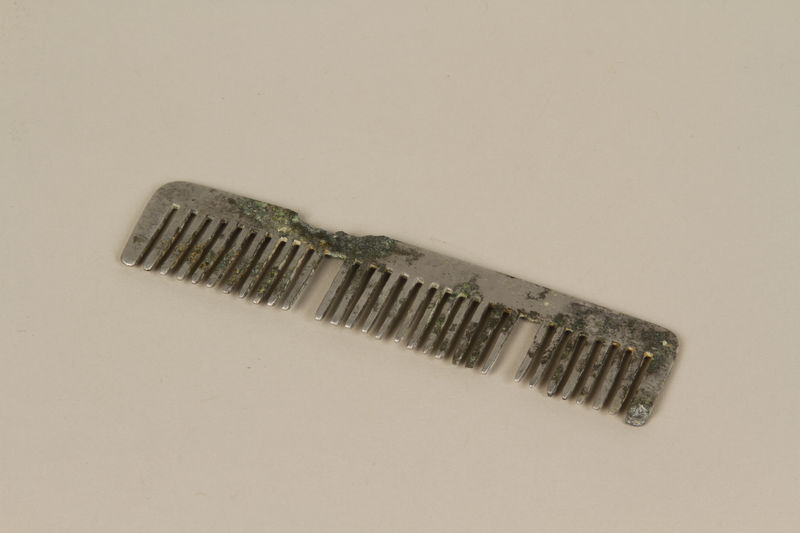 1991.88.3 front Comb purchased in Buchenwald
