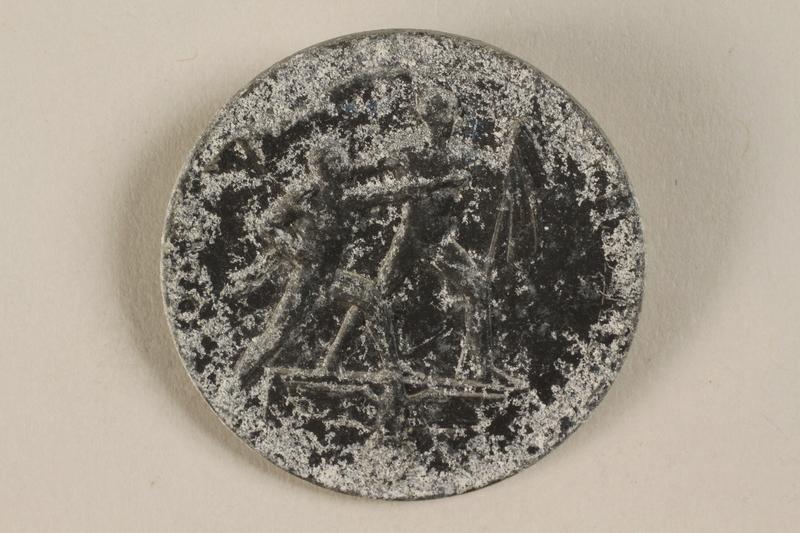 1992.127.13.9 front Pin