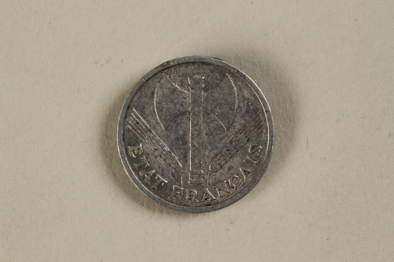 1992.142.4 front France, 50 centime coin