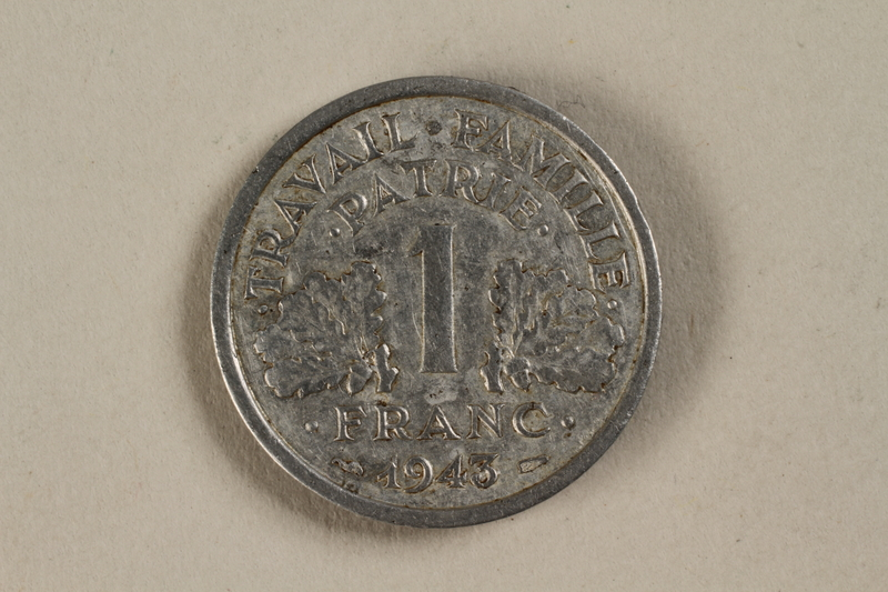 1992.142.5 front France, 1 franc coin