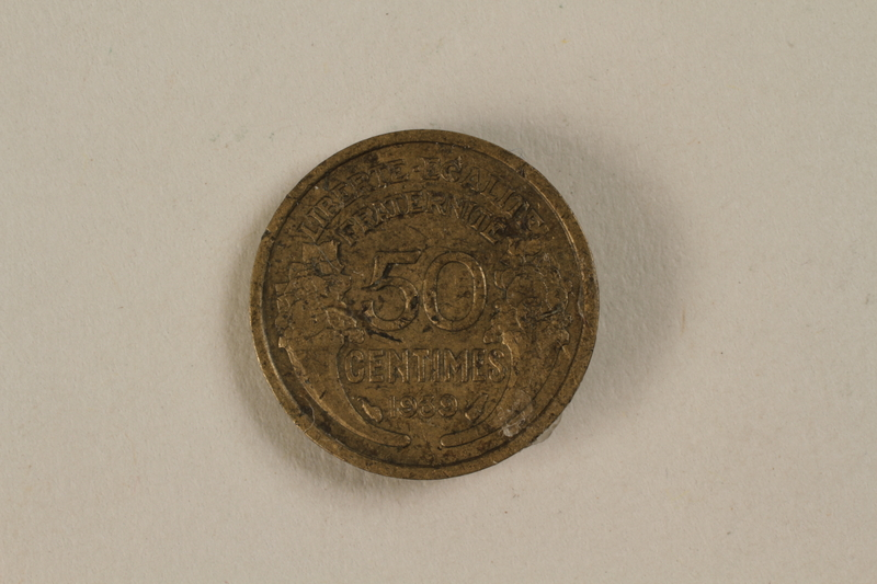 1992.142.7 front France, 50 centime coin