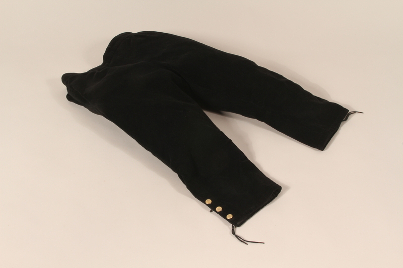 1992.143.2 front Trousers