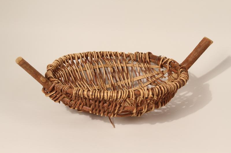 1992.143.4 front Basket