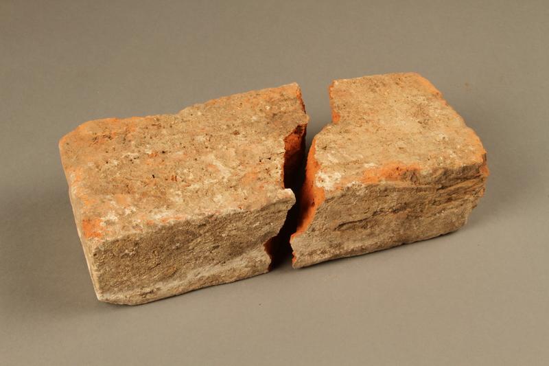 2017.441.1_a-b bottom Broken brick manufactured by the Kőszeg brick factory