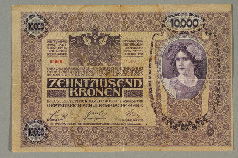 2017.517.3 front Austrian 10,000 Kronen banknote owned by a Viennese Jewish refugee family