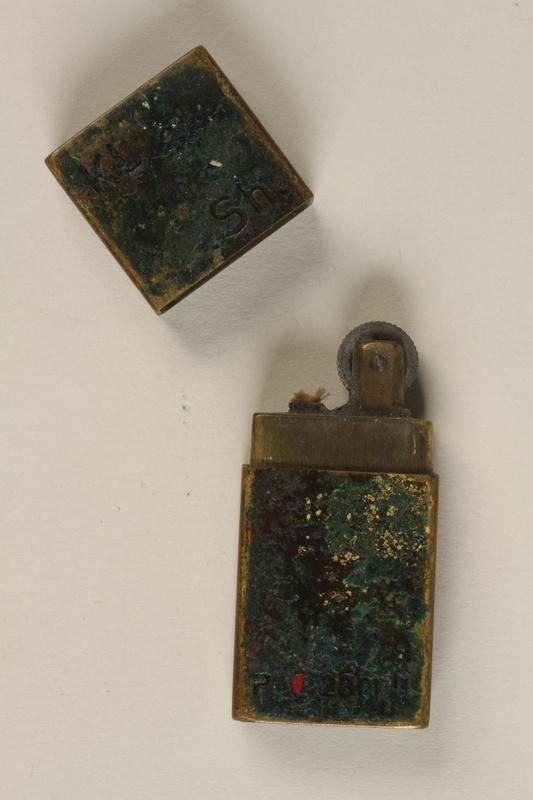 1992.160.7 open Cigarette lighter