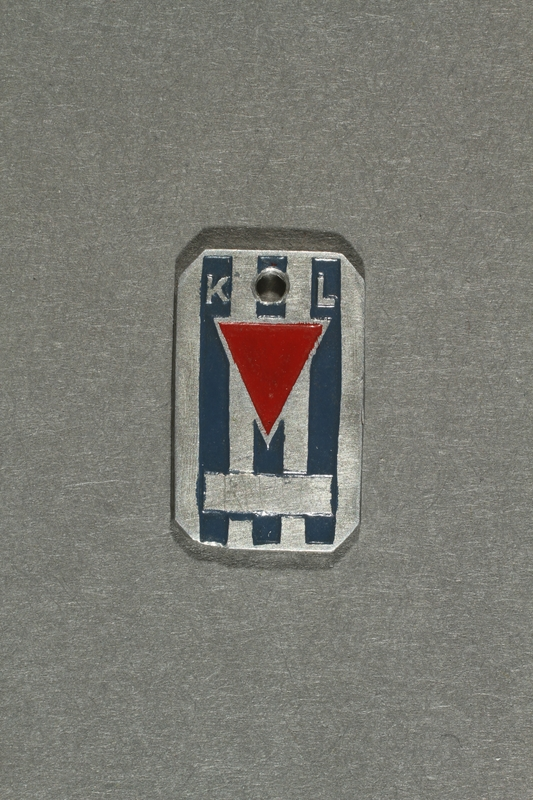 2018.70.7 front Commemorative concentration camp pendant owned by a German Jewish woman