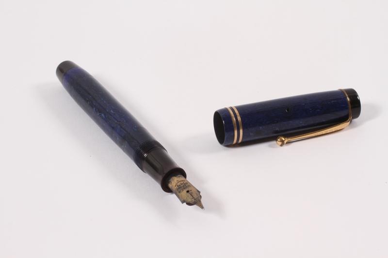 1992.190.1 a-b open Fountain pen