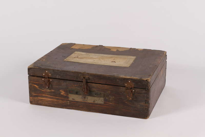 2014.463.2 front Wooden box used by a US soldier assigned to photograph the Nuremberg War Crimes Trials