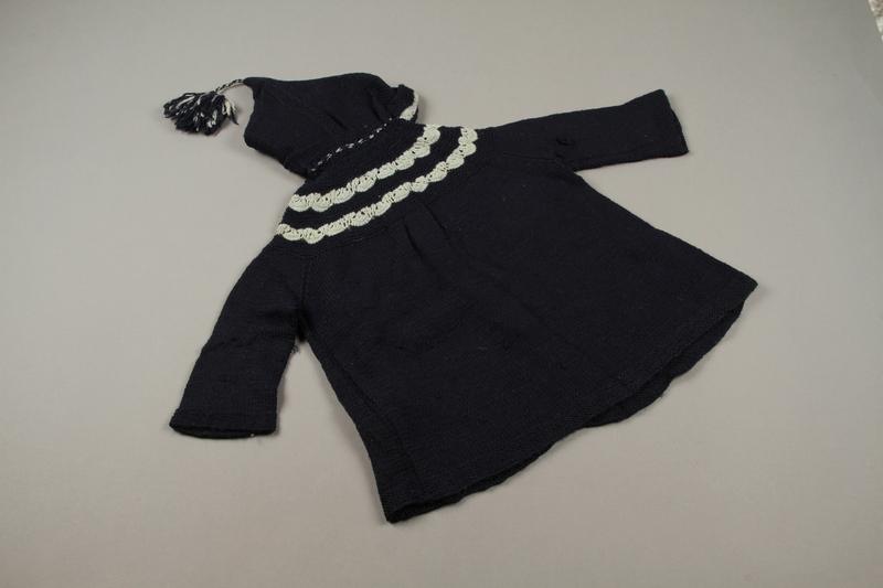 2018.126.16 back Child's hooded sweater coat