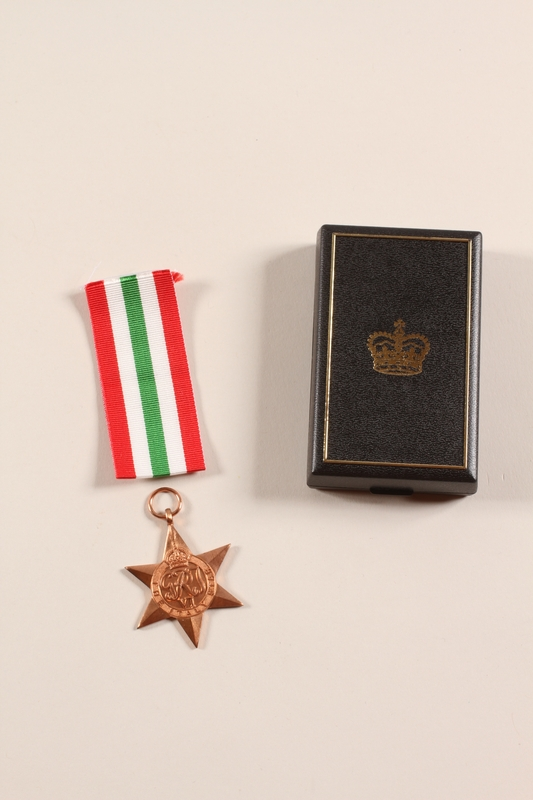 2012.471.18_a-c front Italy Star 1943-1945 medal, ribbon, and box awarded to a Jewish soldier, 2nd Polish Corps
