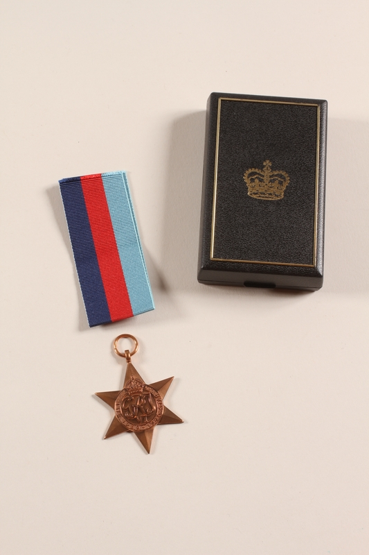 2012.471.19_a-c front 1939-1945 Star medal, ribbon and box awarded to a Jewish soldier, 2nd Polish Corps