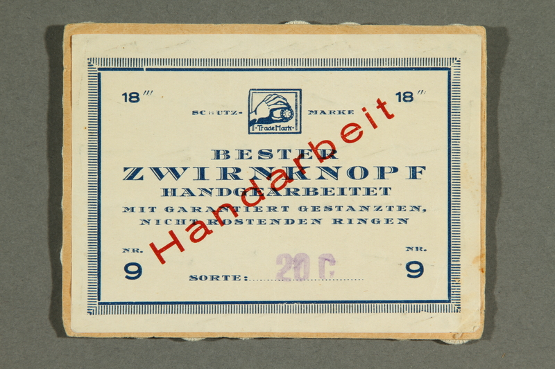 2018.258.4 back Card with 48 Dorset-style buttons owned by a Jewish Austrian refugee