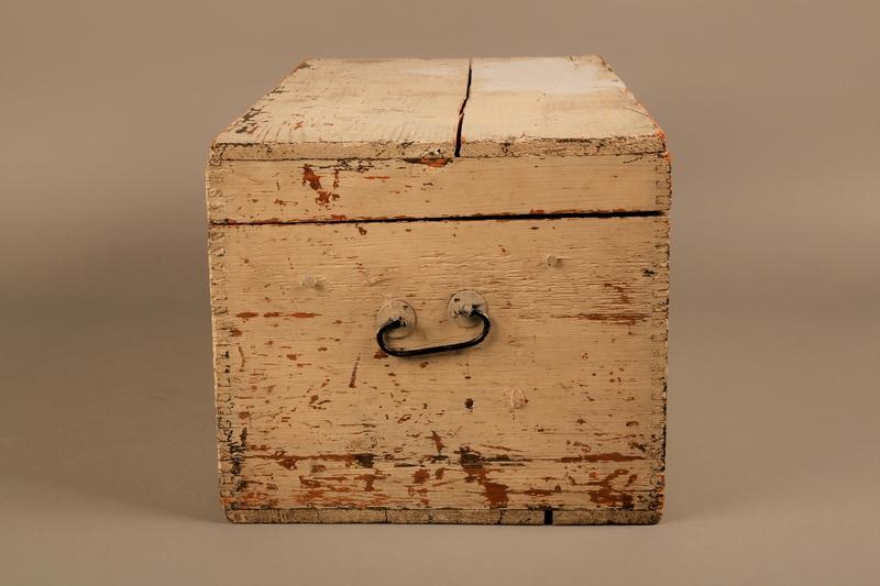 2018.462.2 left Wooden box