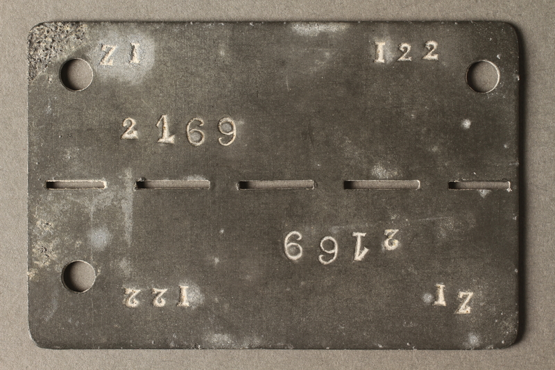 2018.337.5 front Prisoner ID tag issued to a Jewish American prisoner in Compiègne internment camp
