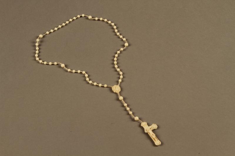 2018.426.4 front Plastic rosary used by an American internee