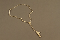 2018.426.4 front Plastic rosary used by an American internee  Click to enlarge