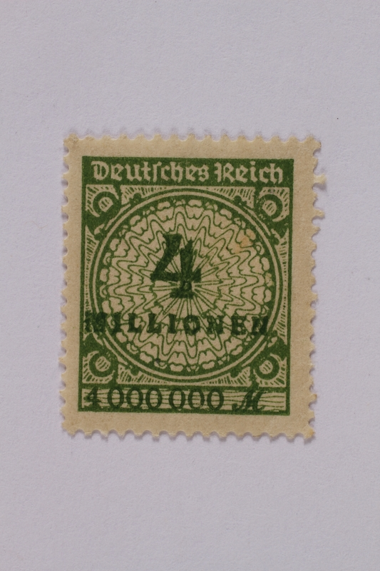 1992.221.106 front Postage stamp