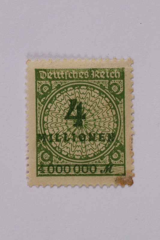 1992.221.108 front Postage stamp