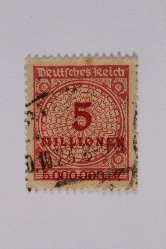 1992.221.113 front German postage stamp