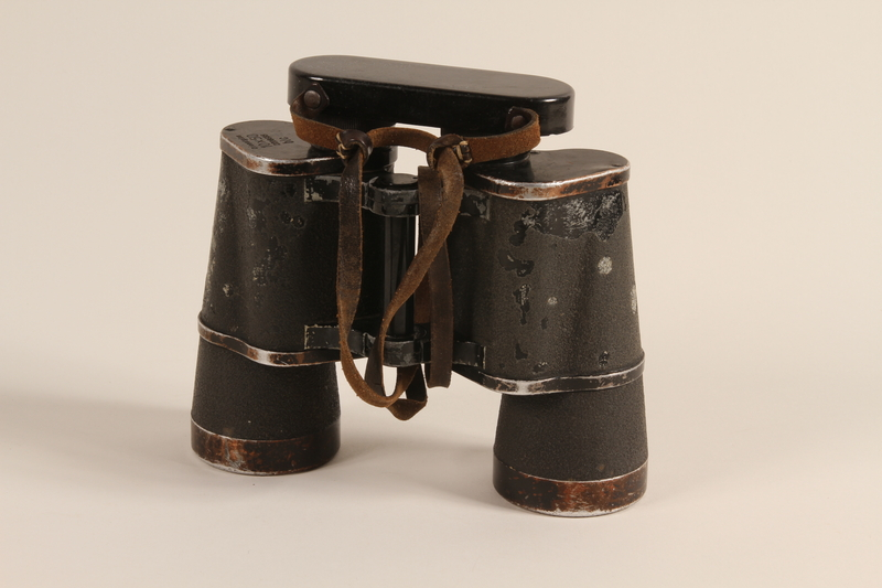1992.221.1 a front German binoculars and case