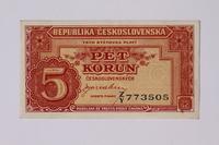 1992.221.24 front Czechoslovakia, 5 korun note  Click to enlarge