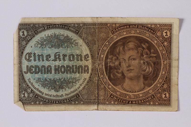 1992.221.28 front Czechoslovakia, 1 koruna note
