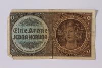 1992.221.28 front Czechoslovakia, 1 koruna note  Click to enlarge
