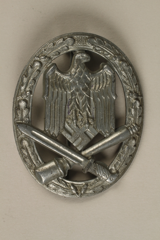 1992.221.3 front Third Reich medal
