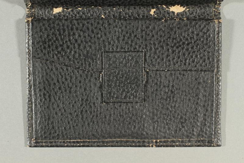 2019.59.2 open/side a Wallet