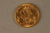 2019.81.3 back 1922 British gold coin  Click to enlarge
