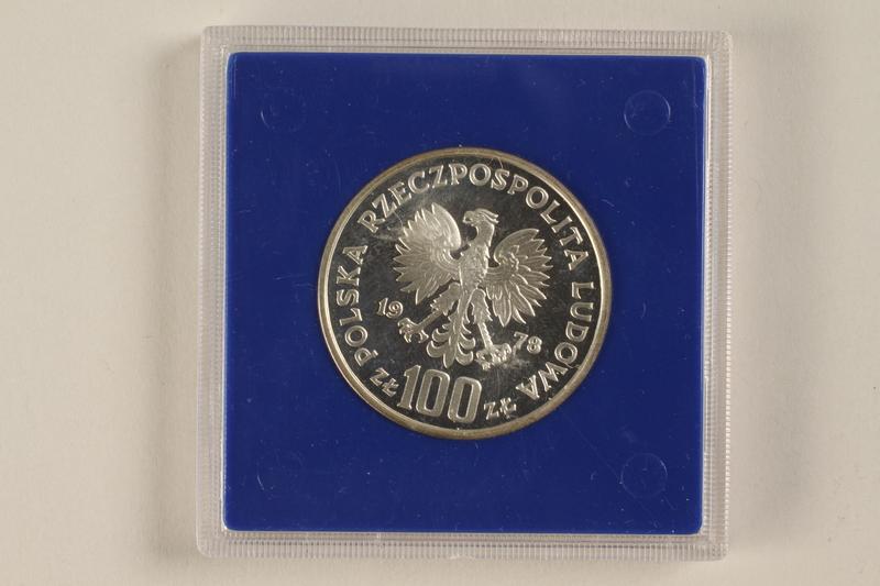 1992.58.2 back 100 zloty silver coin from Poland honoring Janusz Korczak