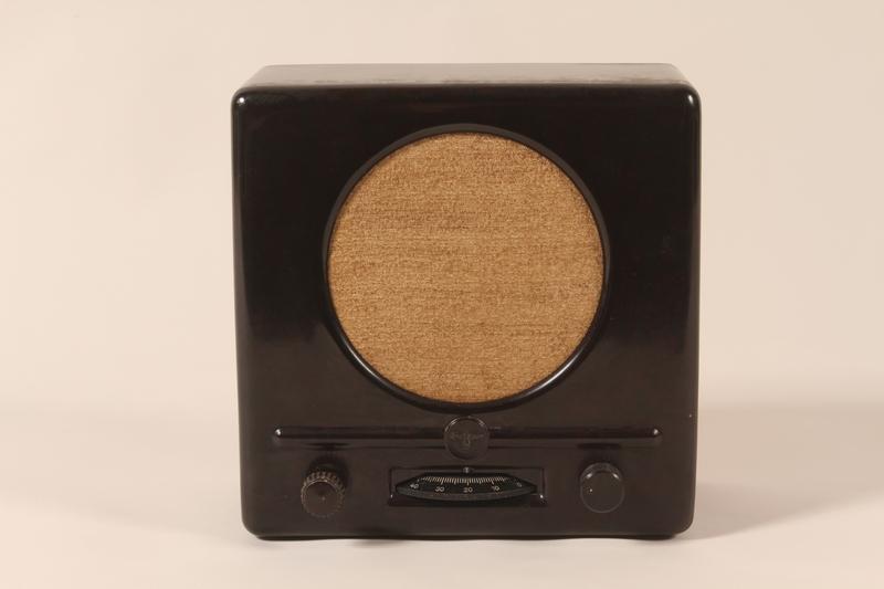 1992.74.1 front Deutscher Kleinempfänger [German small radio] produced in Nazi Germany