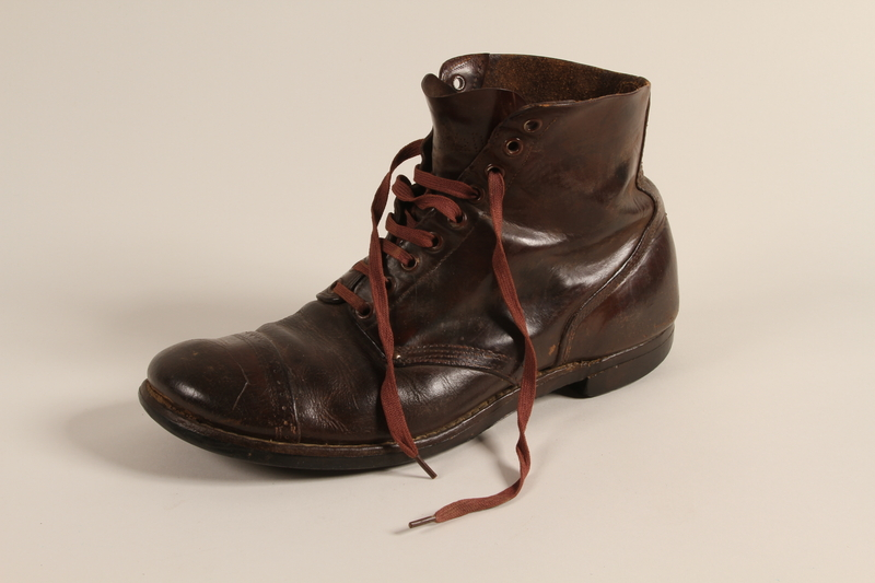 1993.155.1 a front Boots