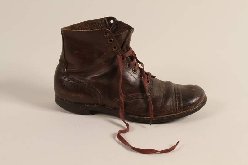 1993.155.1 b front Boots