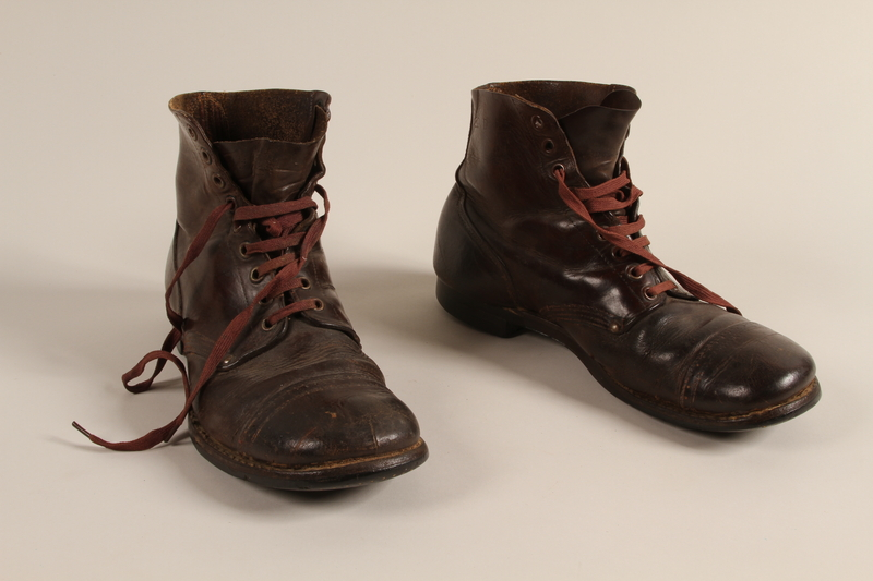 1993.155.1 a-b front Boots