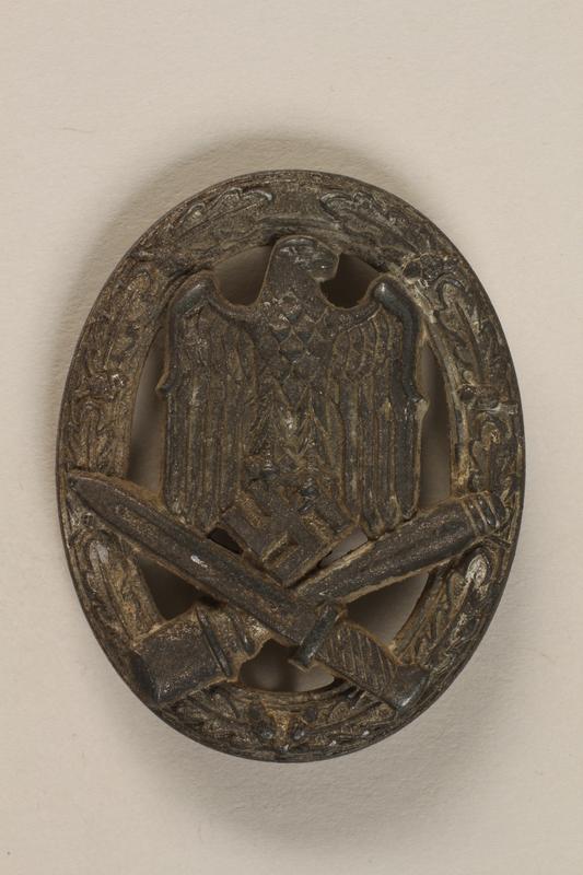 1993.160.2 front General Assault badge (Allgemeines Sturmabzeichen)
