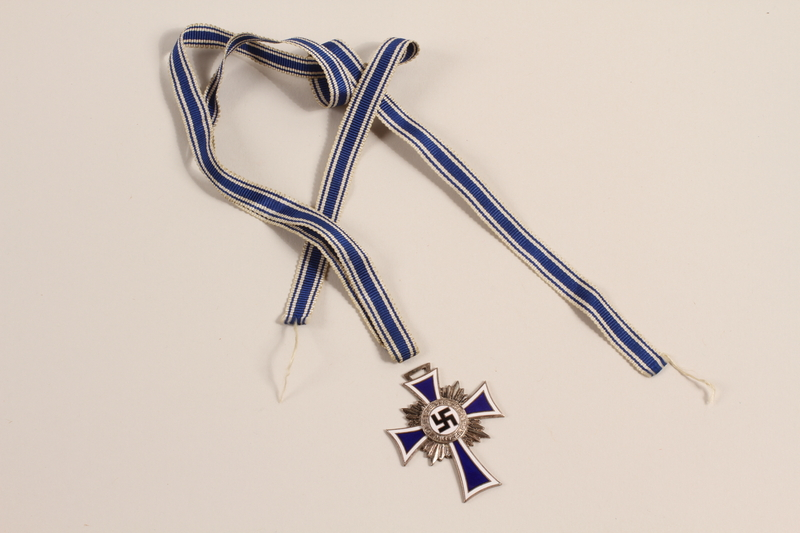 1993.61.1 front Cross of Honor of the German Mother medal, 2nd Class Order, Silver Cross