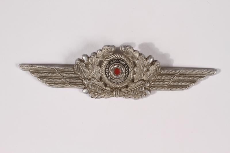 2014.480.52 front Schirmmutze cockade, Luftwaffe