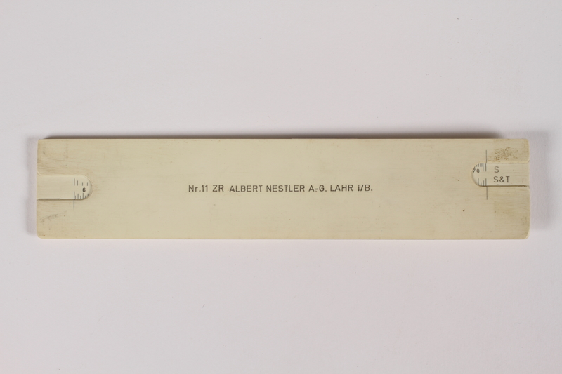 2014.480.45 a back Slide rule with case