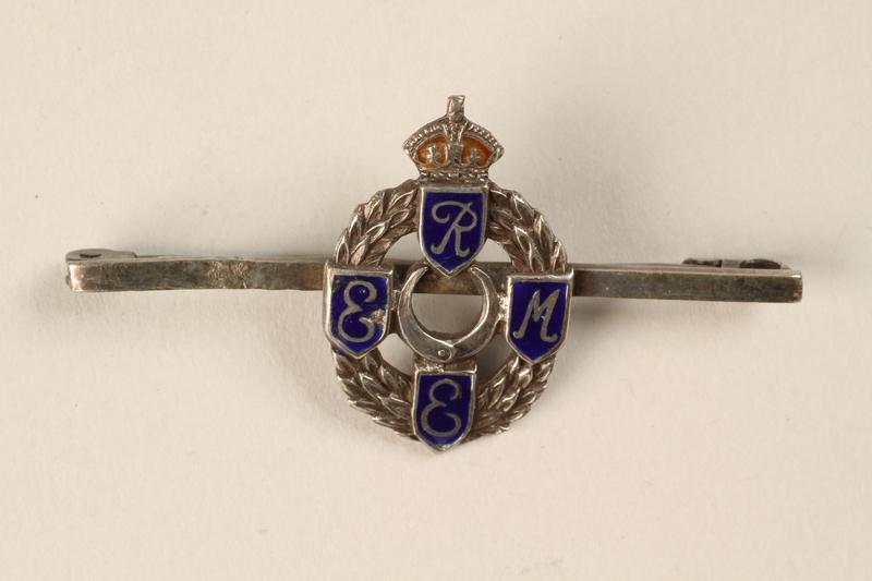 1994.1.1 front Royal Army pin