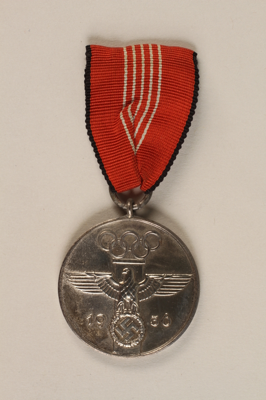 1994.70.1 front Medal for the 1936 Olympic Games in Berlin