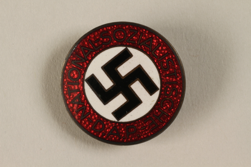 1994.124.1 front NSDAP membership badge